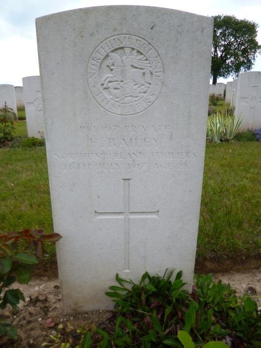 Headstone for Frank Bailey, WW 1 veteran and casualty