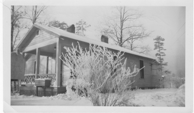 Seward_Knoxvillehouse_snow